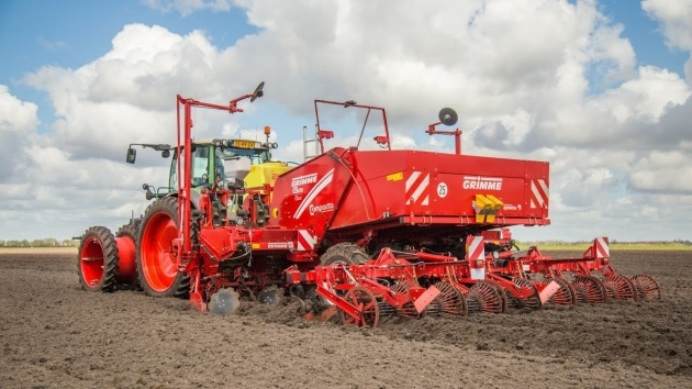 Awesome Grimme Potato Planter Photo