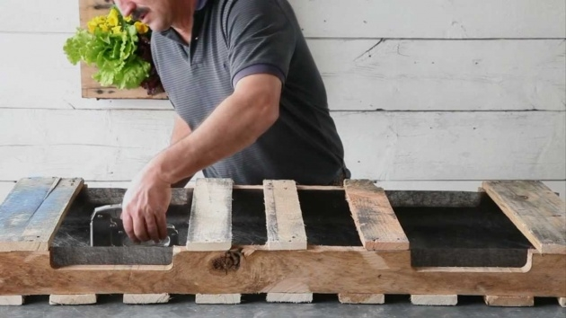 Best How To Make A Planter Box Out Of Pallets Picture