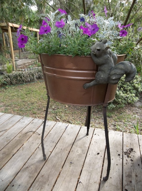 Cool Galvanized Tub Planter Image