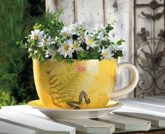 Fascinating Tea Cup Planter Image
