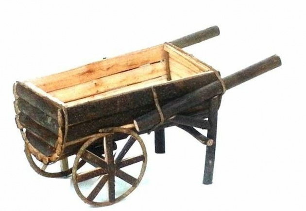 Ideas for Wooden Wheelbarrow Planter Image