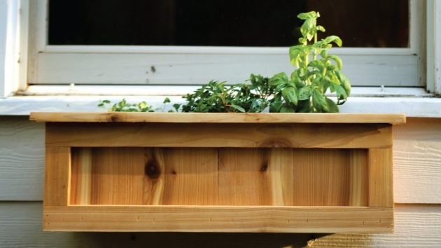 Insanely Build Window Planter Box Image