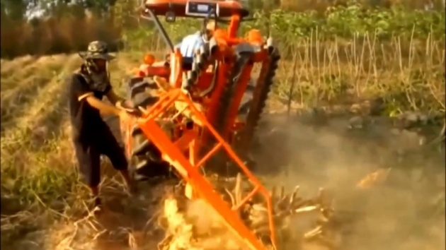 Insanely Cassava Planting Machine Picture