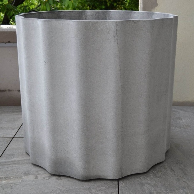 Insanely Modern Concrete Planter Image
