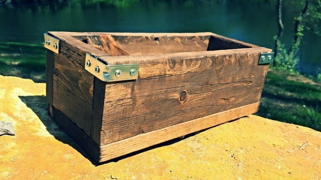 Inspirational Rustic Planter Box Image