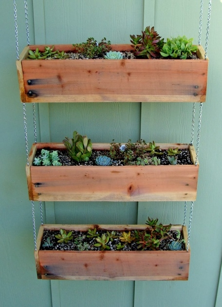 Simple Hanging Planter Box Photo