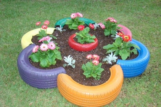 Simple Tire Planters Photo