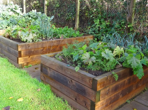 Stylish Railroad Tie Planter Picture