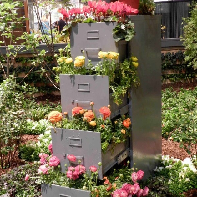 Awesome Flower Tower Planter Picture
