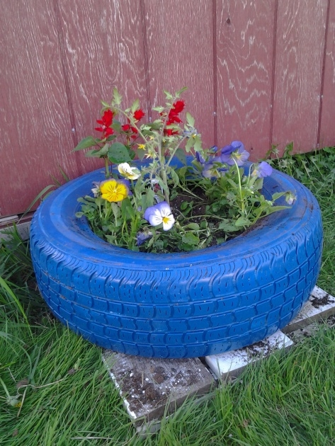 Most Popular Tire Flower Planter Picture