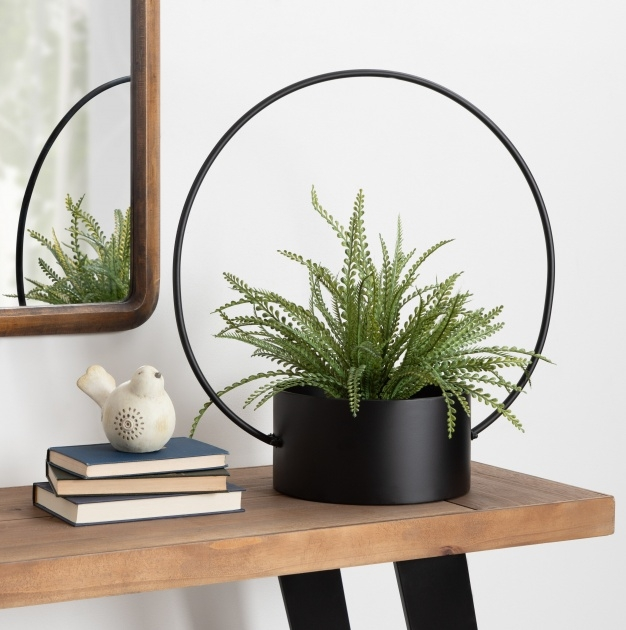 Stylish Metal Hanging Planters Picture