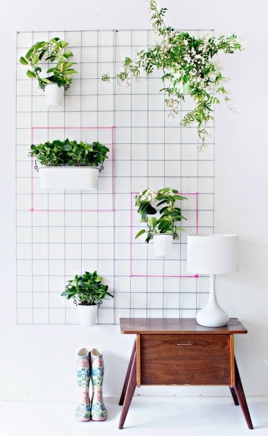 Top Wire Wall Planter Image
